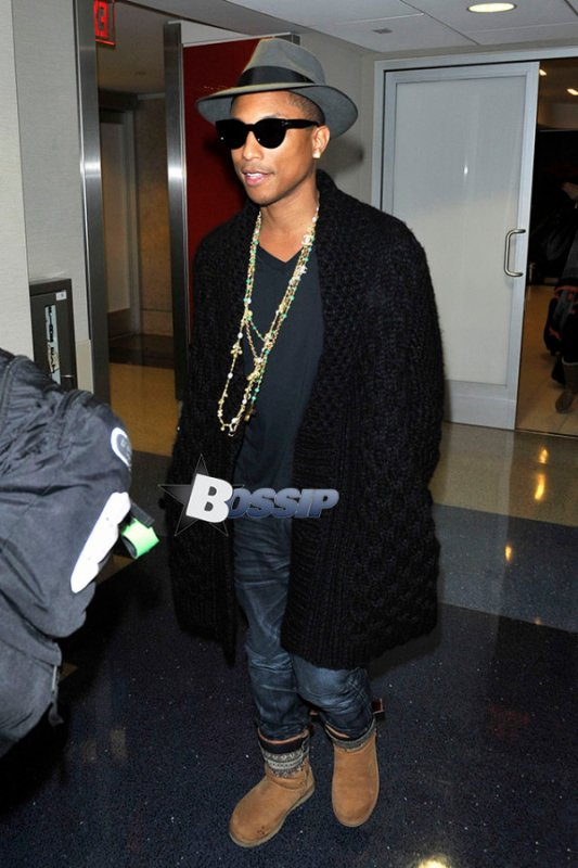 Pharrell - LAX Airport - 19 décembre 2013