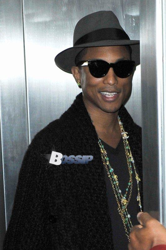 Pharrell - LAX Airport - 19 décembre 2013