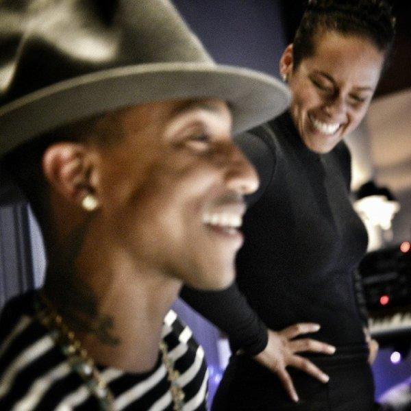Pharrell en studio avec ... - NYC - 8 février 2014