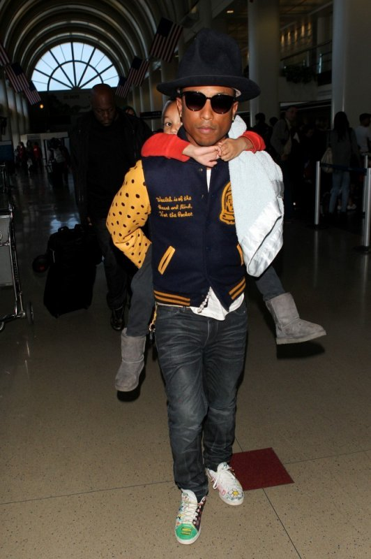 Pharrell - LAX Airport - 7 avril 2014