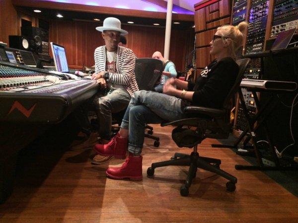 Pharrell en studio avec... - 22 août 2014