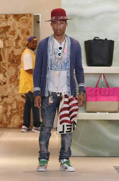 Pharrell - Shopping chez Céline - Beverly Hills - 4 novembre 2014