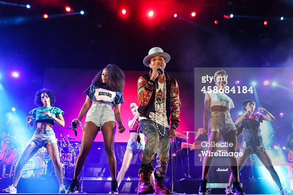 Pharrell - Camp Flog Gnaw Carnival - Los Angeles - 8 novembre 2014