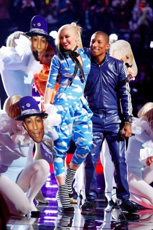 Pharrell -The Voice Live - Hollywood - 1er décembre 2014
