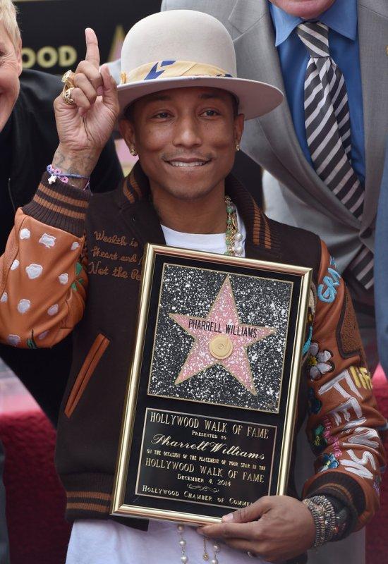 Pharrell reçoit son étoile à Hollywood - 4 décembre 2014