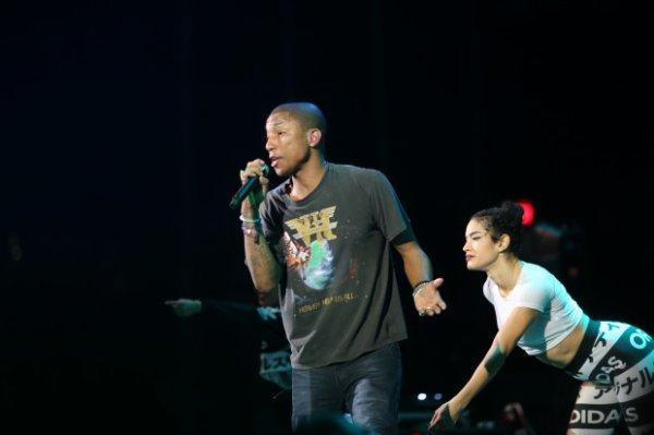 Pharrell - B96 Jingle Bash - Chicago - 6 décembre 2014