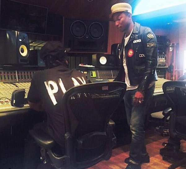 Pharrell en studio avec... - Los Angeles - 2 mars 2015