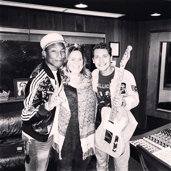 Pharrell en studio avec... - 3 mars 2015