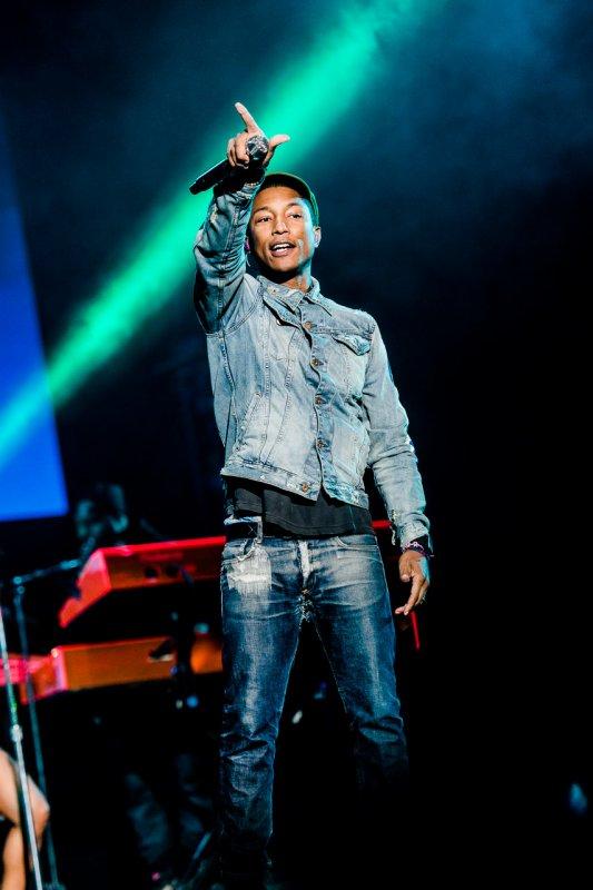Pharrell & The Baes - Lollapalooza Brazil - São Paulo - 29 mars 2015