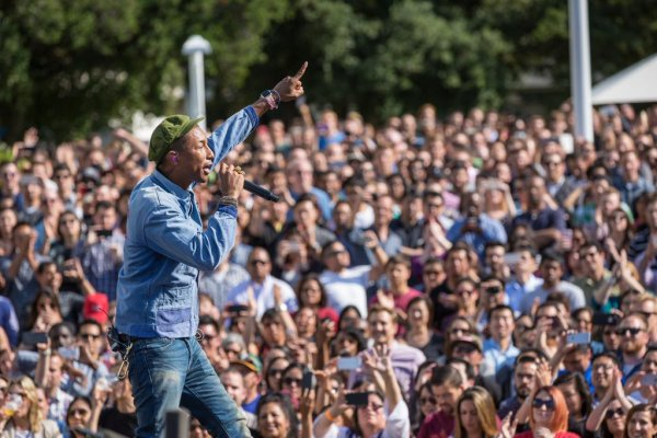 Pharrell - Earth Day - Campus Apple - 22 avril 2015