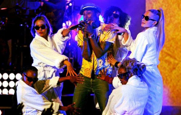 Pharrell & The Baes - Dear G  I  R  L Tour 2.0 - Théâtre Antique de Vienne - 23 juin 2015