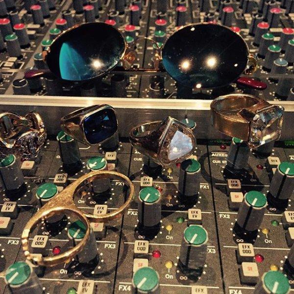 Pharrell en studio avec ... - 2 septembre 2015
