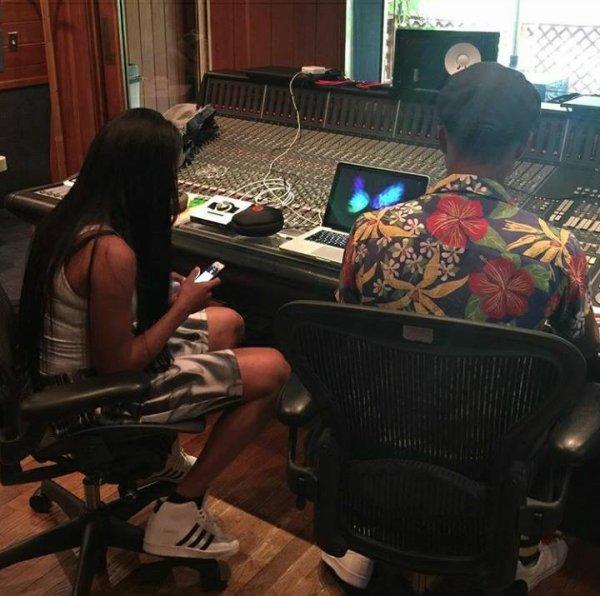 Pharrell en studio avec ... - 4 septembre 2015