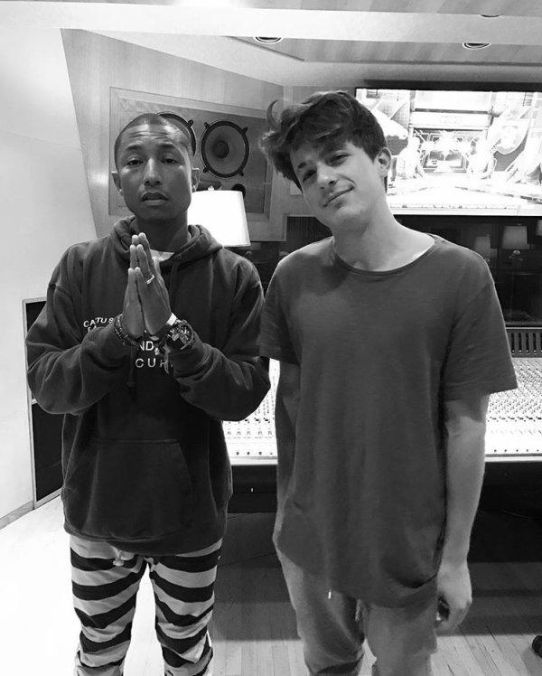 Pharrell en studio avec ... - 7 novembre 2016