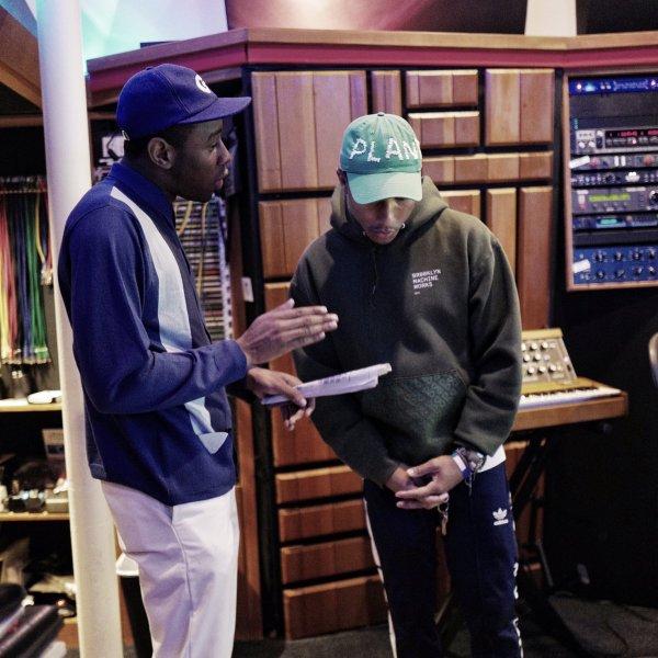 Pharrell en studio avec ... - 1er mars 2017