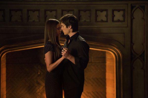 Être avec Damon me rend heureuse. Quand je suis avec lui, c'est imprévisible comme si j'étais libre.