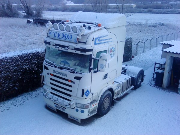 La neige me refait penser a des souvenirs exeptionnels mais pour rouler ses pas le top.....!!!!!!!