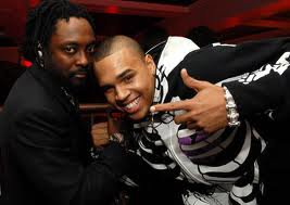 Chris brown en featuring avec William des black eyed peas