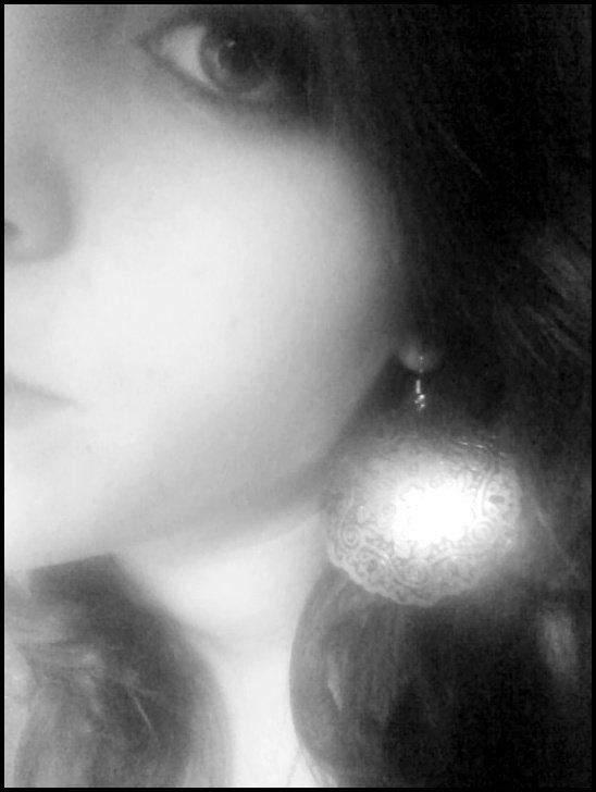 Ta présence me manque, mais est' ce vraiment la paine de le dire ? Puisque de toute façon tu ne reviendra pas * .  ♥