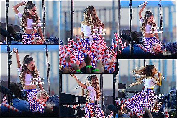 .  30/06/14 : Ariana était présente sur scène pour le « Macy's 4th of July Fireworks Spectacular » qui se déroule à N.Y   L'émission est pré-enregistrée, La copine de Jai Brooks avait fait très fort niveau look avec une petite tenue bleu, blanc, rouge, J'adore !?.    .