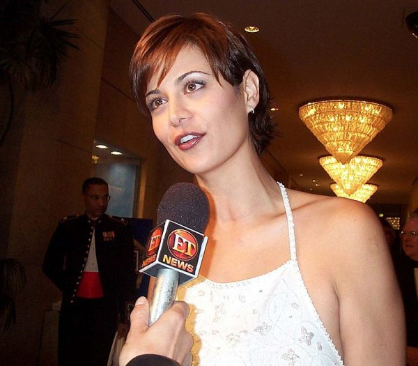 Belle brune : Catherine Bell
