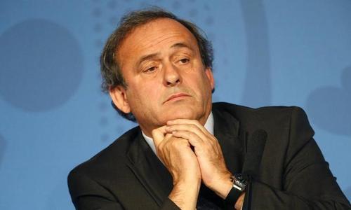 Platini donne le coup d'envoi de l'Euro 2016 et esquive les questions sur la Fifa
