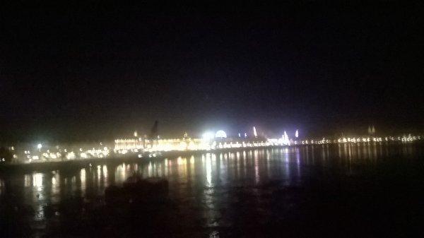 Bordeaux dans la nuit