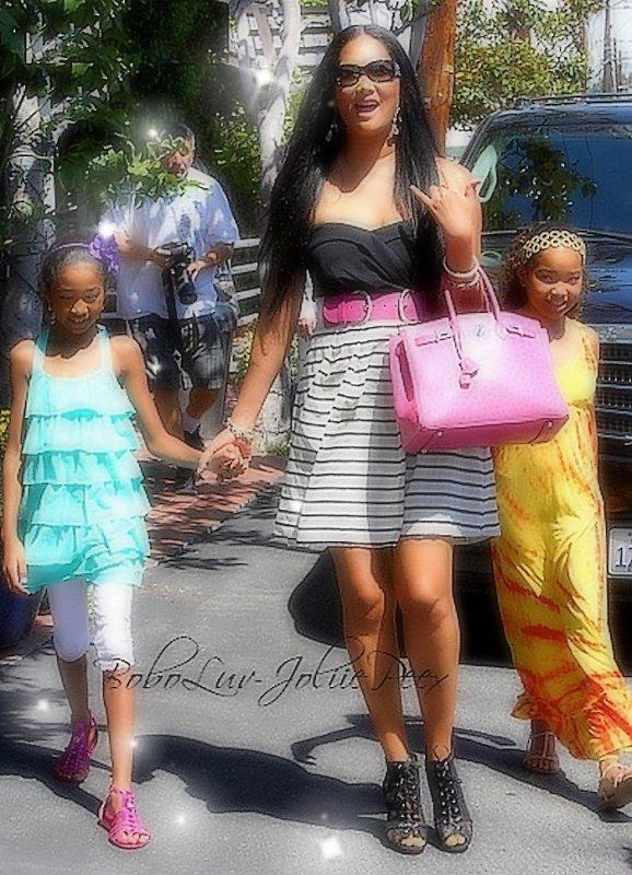 Article n°3 # Kimora Lee Simmons ang Girls#