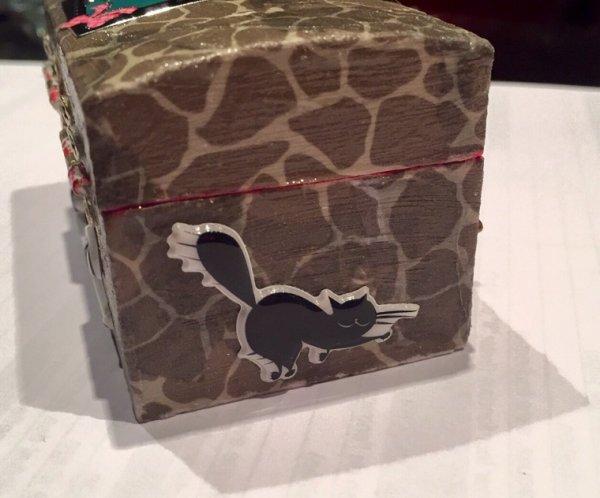 """Mini boîte à bijoux """" chats """" ?"""