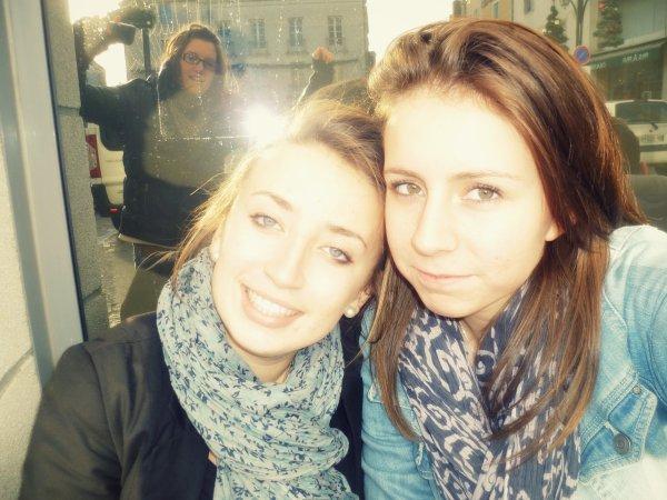 L'amour, l'amitié, c'est surtout rire avec l'autre, c'est partager le rire que de s'aimer.