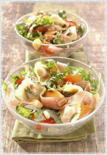 Salade de ravioles à la roquette et au melon
