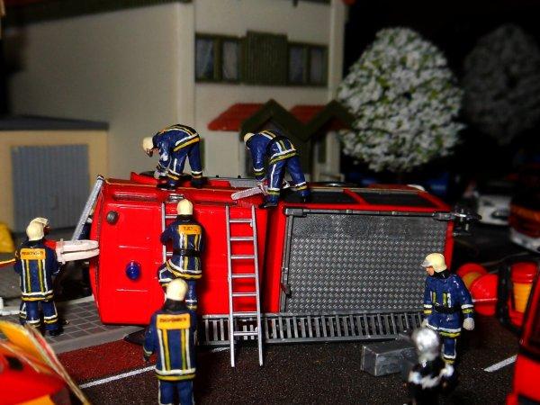 Les pompiers sur le côté, accident
