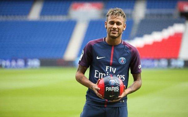 Neymar 5ans au PSG!!!