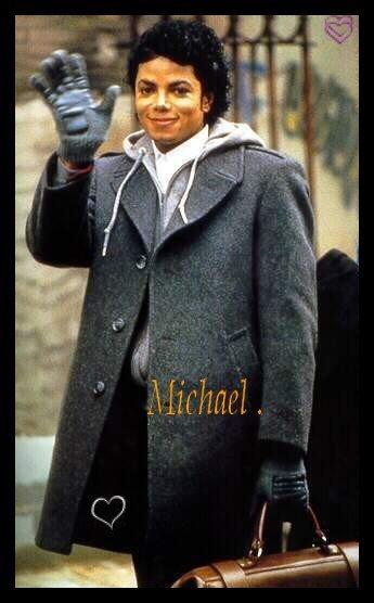 """Michael Jackson a dit        """" Rien de m'a jamais satisfait, je suis un perfectionniste, cela fait partie de moi...""""          ♥"""