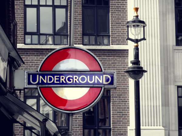 > England ♥ < ©