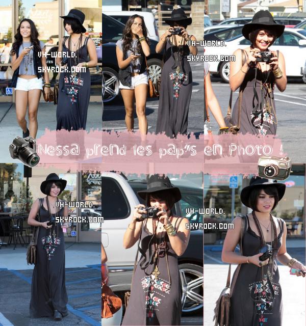 Le 04/07/2011.Vanessa avec Stella dans les rues de L.A. + Un message de Nessa sur FB.+ Nouveau Candie's !