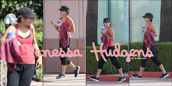 Le 01/09/2011.   Vanessa  vue sortant de la salle de gym à  West Hollywood  avec son  entraineur personnel  !