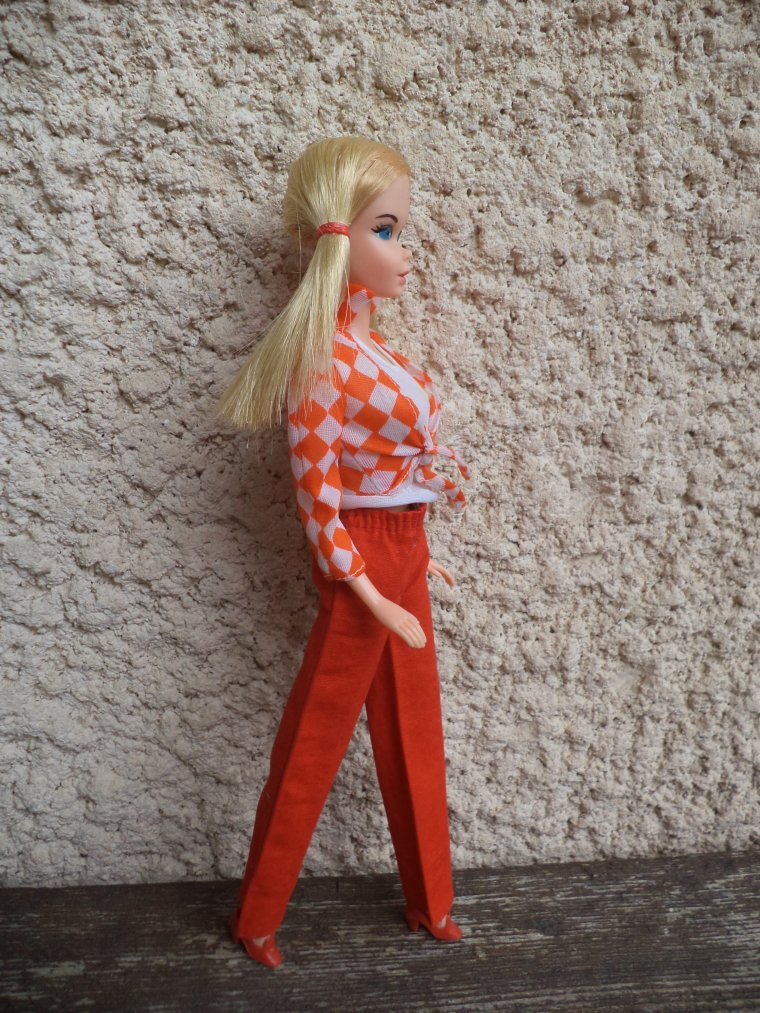 BARBIE VOIT ROUGE
