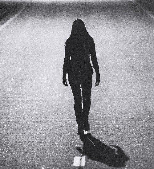 Je marche seule ...