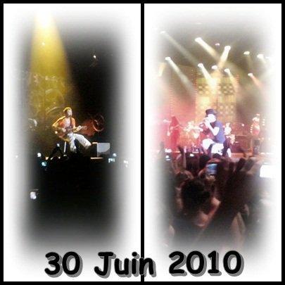 Mon premier concert à Troyes placé au 6ème/7ème rang devant la scène j'êtait assez bien placé pour l'heure ou je suis arrivée ( 18h00 ) Ce concert restera inoubliable comme tout les autres ♥ ♥