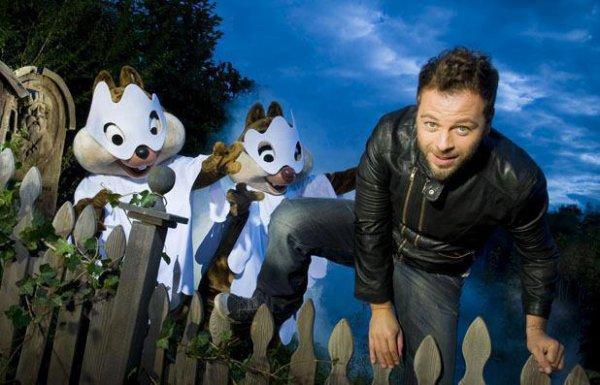 Christophe êtait a Disneyland le 29/09/2012 ainsi que M.Pokora et d'autre artistes ..