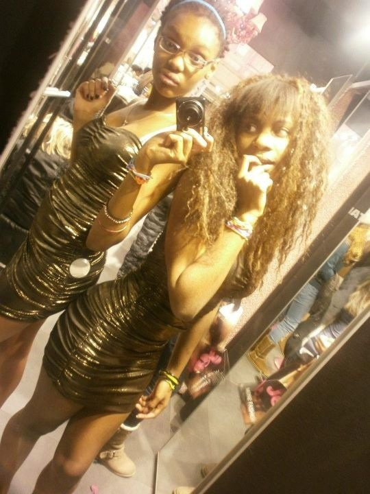 STRA$$OO' et LA BEST' en robe bling bling