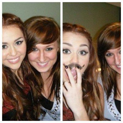 Lundi 7 Mars 2011 = Miley est allée mangé des sushi,à Los Angeles.