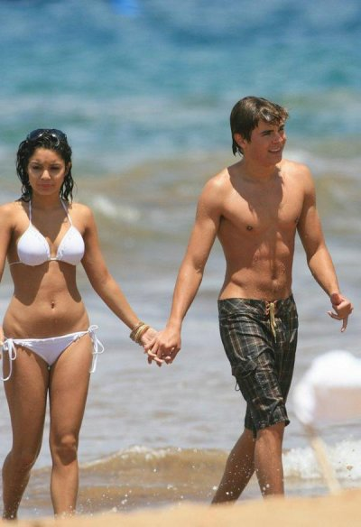 Zac Efron & Vanessa Hudgens Hààààà Làà Plage Hàà Hawaii !!! Là Belle Vie Nonhh ?<3