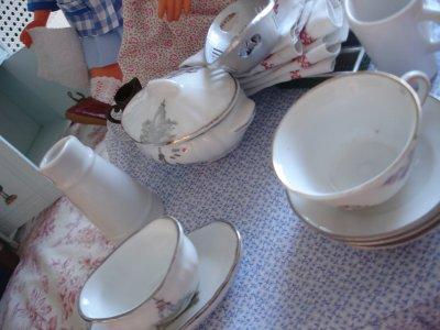 Oh, la, la, toute la vaisselle en désordre !