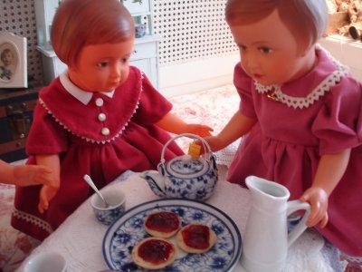 Five o'clock... tea time !