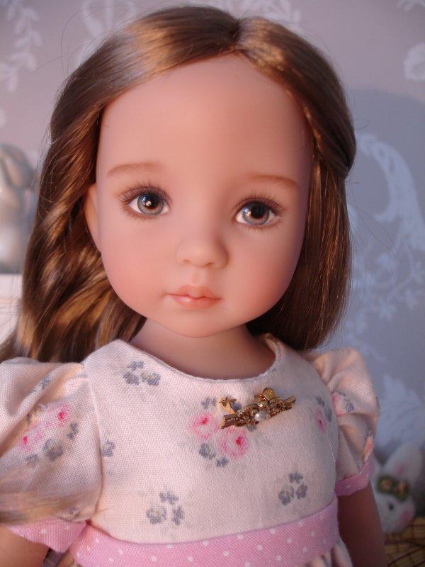 Petite Alicia...