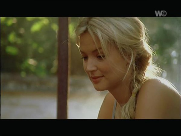 "Virginie  Efira ""Un amour de fantôme"""