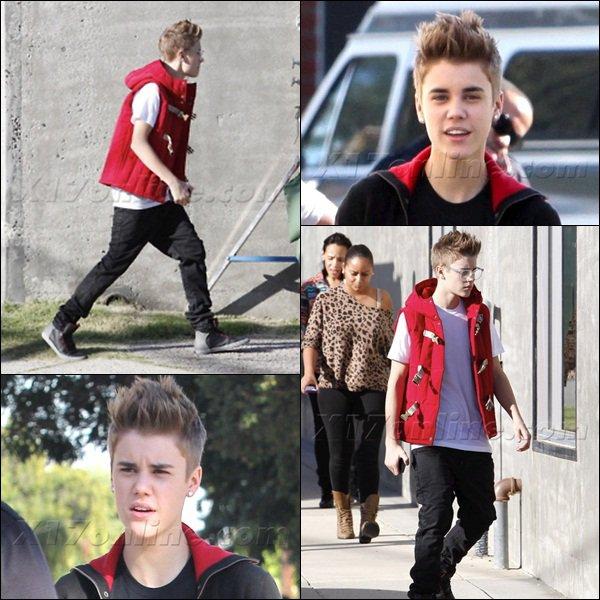 28/10/11 : Justin était à un photoshoot + vidéos