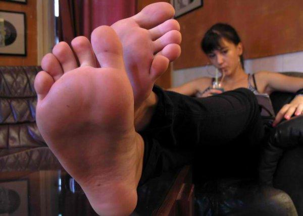 pied feminin